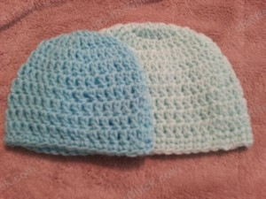 Free crochet pattern- Easy Peasy Baby / Infant Sized (3 to 6 Months) Double Crochet Beanie Hat Pattern