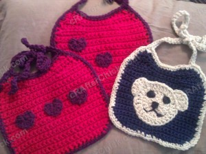 Easy Baby Bib with Contrast Trim Crochet Pattern 2