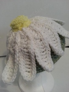 Giant Daisy Beanie Hat Crochet Pattern Right Back View