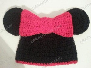 Minnie Mouse Oversized Ear and Bow Beanie Hat Crochet Pattern
