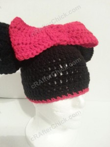 Minnie Mouse Oversized Ear and Bow Beanie Hat Crochet Pattern Front Right View