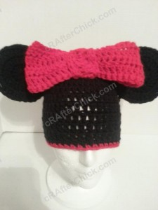 Minnie Mouse Oversized Ear and Bow Beanie Hat Crochet Pattern Front View