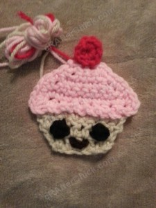 Happy Cupcake Applique Crochet Pattern (5)