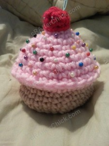 Sweet Oversized Cupcake Pincushion Crochet Pattern (2)